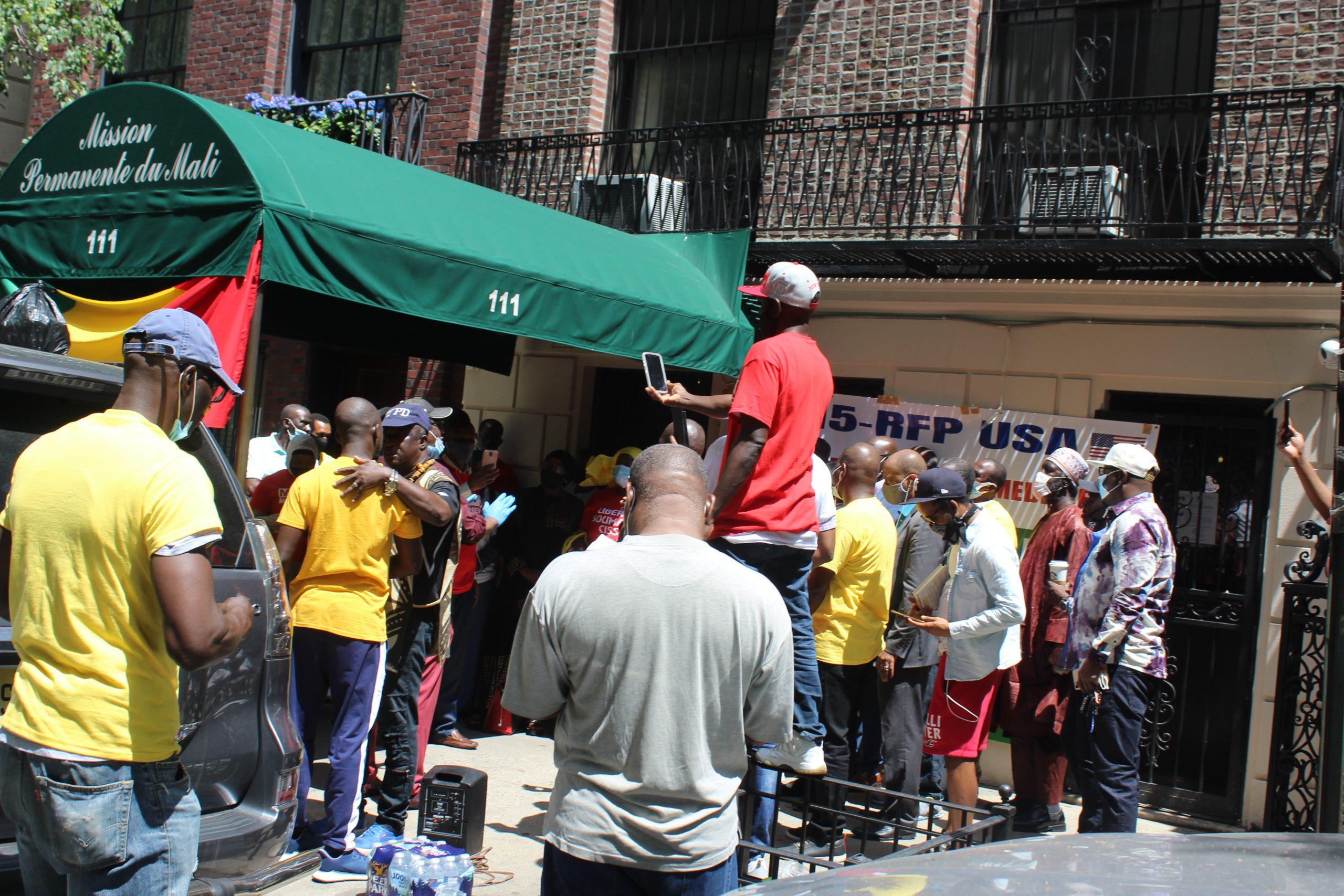 New York: Les Maliens ont marché et ont dit que le départ du Président n'est pas négociable