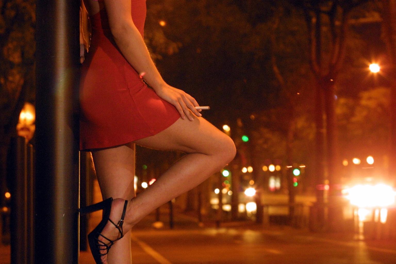 «Ouvrez les bordels maintenant !», des prostituées manifestent en Allemagne